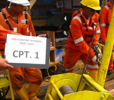 Subsea Pipelines Detail Engineering for PT.NUSANTARA REGAS' Foating Storage Regasification Unit (FSRU)
